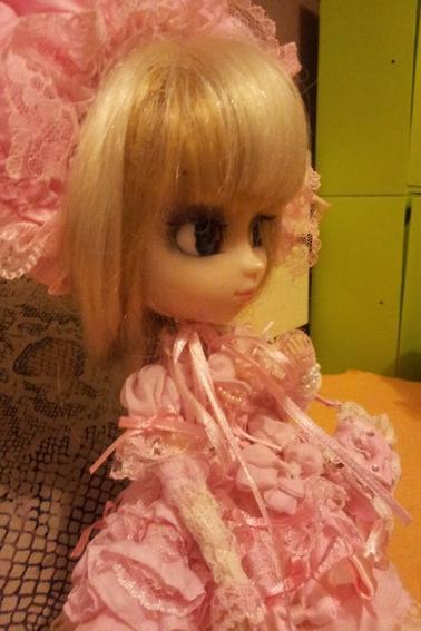 voici ma pullip Yuki balck eyes custo :p