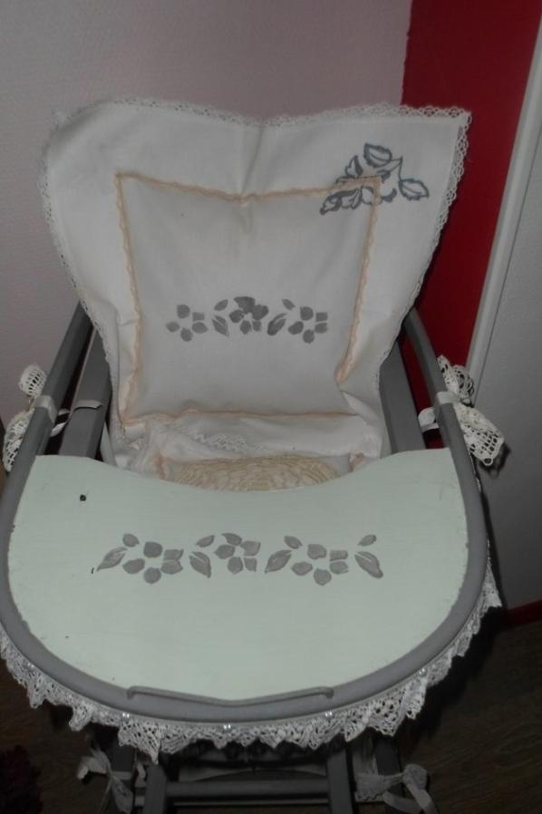 "CHAISE ANCIENNE ""STYLE SHABBY"""