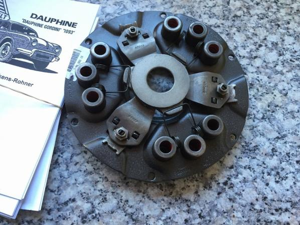 New clutch 1093 for the 4cv.