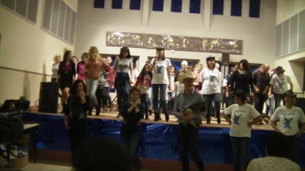 RESTOS DU COEUR 2017 A LA COMBELLE BEAUCOUP BEAUCOUP DE MONDE AU RENDEZ VOUS MERCI A TOUSSSS