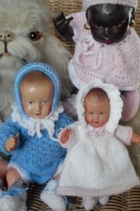 Les petites layettes des bébés sont enfin terminées, les voici réunis pour vous les présenter!