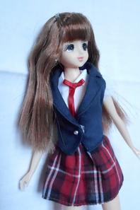 En écho à collectiondolls, voici ma Jenny aux longues, longues gambettes!!!