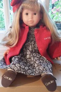 Bonjour amies blogueuses, je mets en vente quelques poupées, si vous êtes intéressées j'attends votre message. Merci et très bonne semaine à vous toutes!