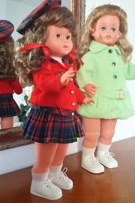 Inséparables ces deux fillettes, voici  Caroline et Carine !