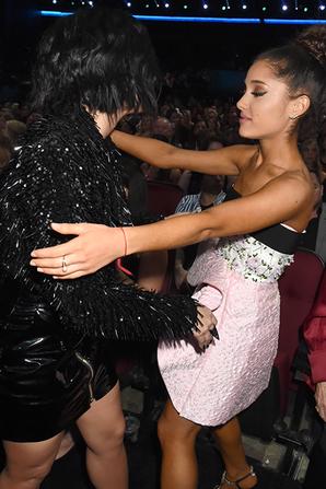 22 Novembre : Demi Lovato avec plusieurs stars au American Music Awards :