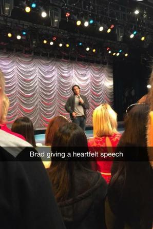 Glee Goodbye alors dernière tounage sur scène :-( :-(