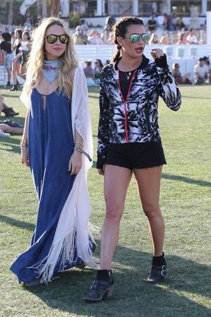 Lea Michele Et Becca Tobin à Coachella Music Festival D'Art (jour 2)