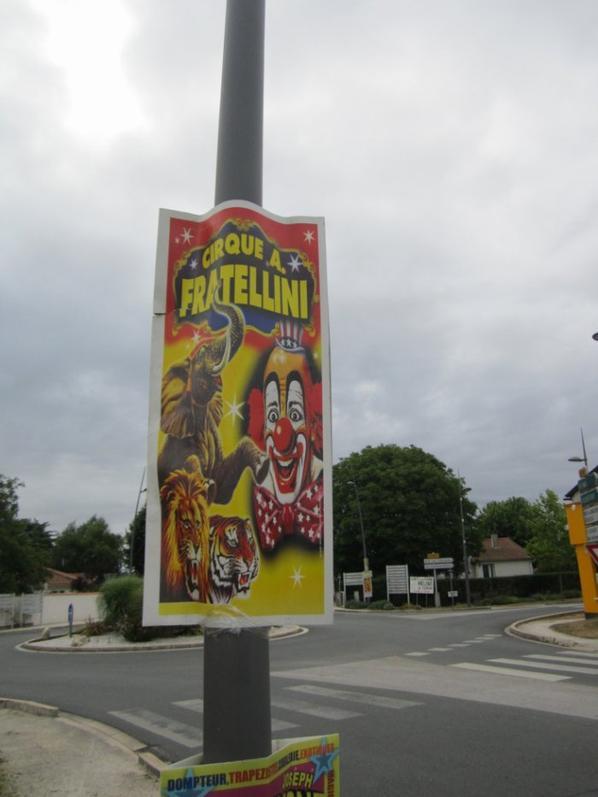 Il arrive , le grand Cirque A. Fratelinni ! !