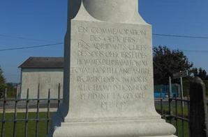 La colonne des Britanniques du 1er Bataillon Loyal North Lancashire (02)