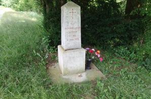 Le monument du 1er BCP à Vaux (55)et la Tombe du lieutenant Dussumier-Latour