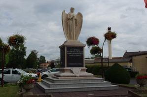 Monument aux morts de Dieuze (57)
