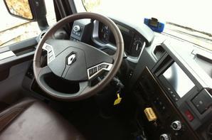 Essai nouveau Renault 520 , pour les amoureux des Renault !!!! se qui n'ai pas mon ka !!!