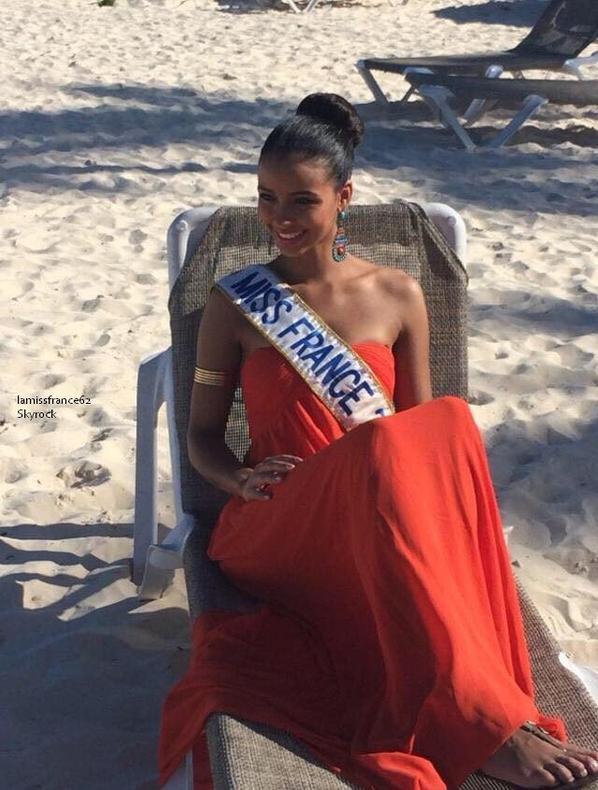 Flora et les 33 miss en  République Dominicaine