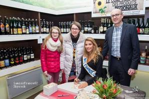 Camille en Séance dédicaces Comptoir des produits régionaux Béthune