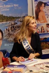 Camille au Salon Mondial du Tourisme sur le stand de Croisières de France