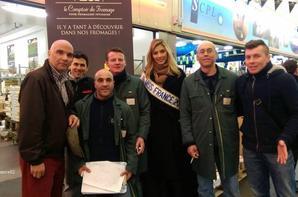 Camille à Rungis pour une promo de vente dans le pavillon des fromages