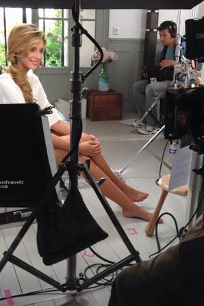 Camille en tournage avec Corine de Farme