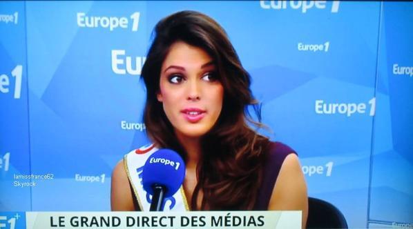 Les cadeaux remportés par Iris Mittenaere /  Iris était l'invitée du journal de 13H sur TF1. /  Iris en interview  sur Europe 1