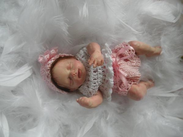 petit bébé pate polymère l'une de mes créations