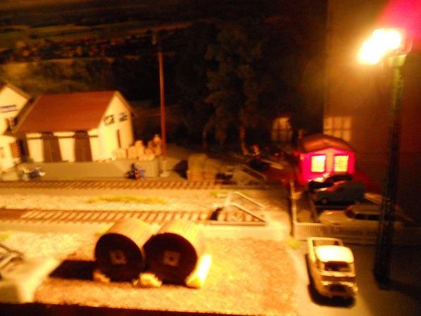 La gare de Château-Vaillant et ses environs illuminés ou plutôt éclairés !