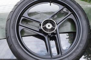VEINDIOU qu'il se bouff vite ce pneu  !!funzy  !!