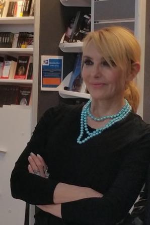jeanne mas au dédicasse à Rezé le 5 mars 2016