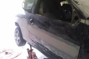 Reste de la voiture en préparation