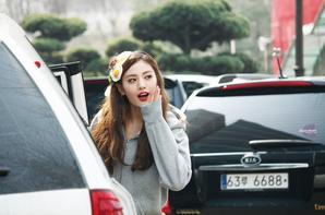    Nana & Lizzy arrivant à l'Inkigayo