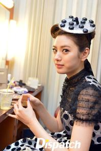   Photos de Nana dans les coulisses de Music Bank
