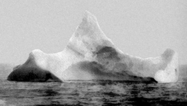 L'un des icebergs soupçonnés d'être celui qui a été heurté par le Titanic.