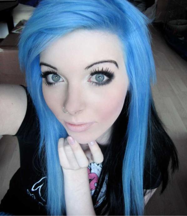 ira vampira blue black emo scene hair blue grey green eyes superman