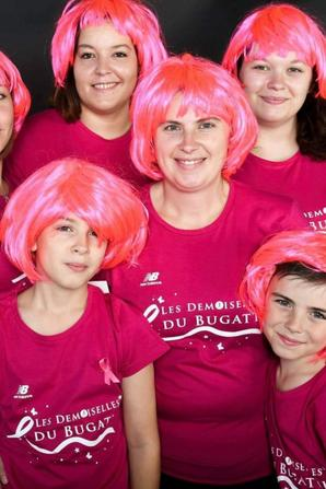 Les demoiselles du bugati et les supporters !
