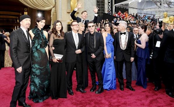 """Photobomb"" Benedict avec le groupe U2"
