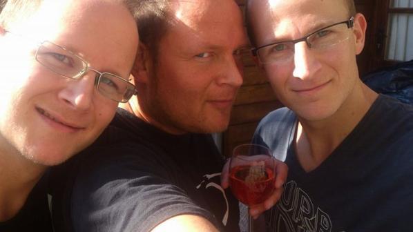 QQ années plus tard...mes 3 fils......que j aime