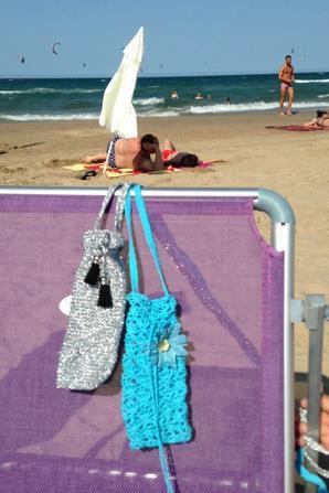 122 - Crochet - housse pour tel portable