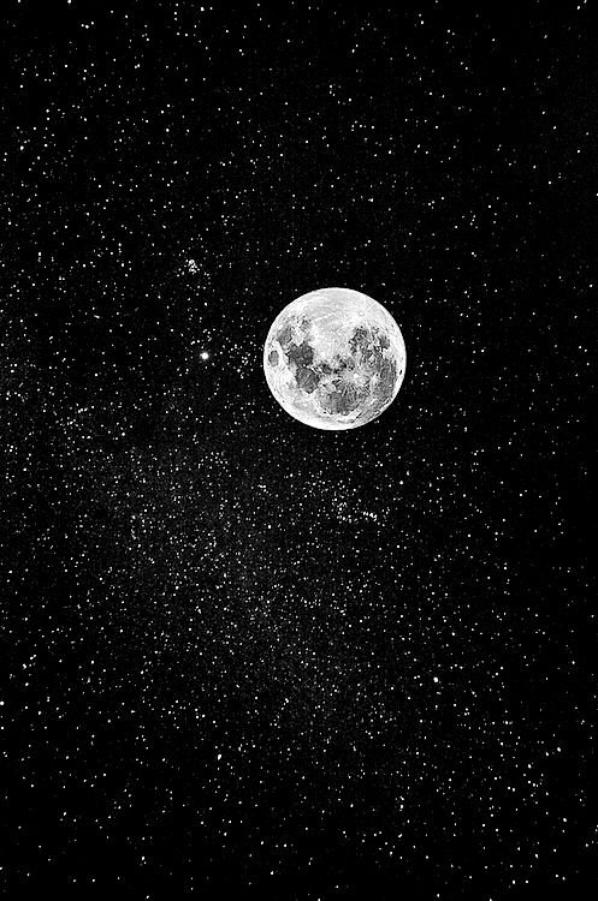 La lune au jour est tiède et pâle Comme un joyeux convalescent ; Tendre, elle ouvre ses yeux d'opale D'où la douceur du ciel descend