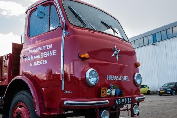 Henschel HS90.