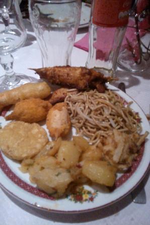un bon repas asiatique entre fille