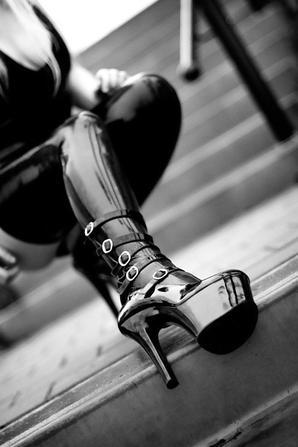 latex noir
