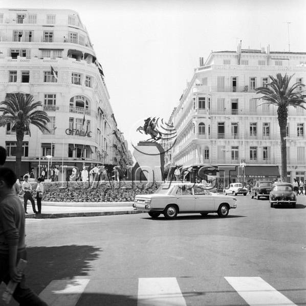 Place de l'EMIR ABDELKADER en 1968...