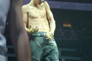Justin Bieber trés sexy sur scéne