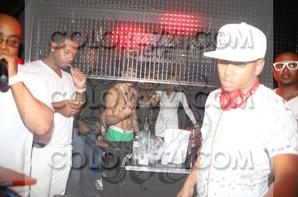 Justin Bieber trés hot dans son boxer vert a The Ciroc white party, Denver