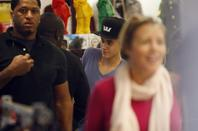 Justin Bieber fait du shopping à Venice Beach