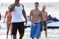 """Justin Bieber trés hot dans son boxer bleu ethika à la plage, Panama """"Part 1"""""""