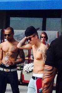 "Justin Bieber trés sexy à Venice Beach, L.A. ""Part 1"""