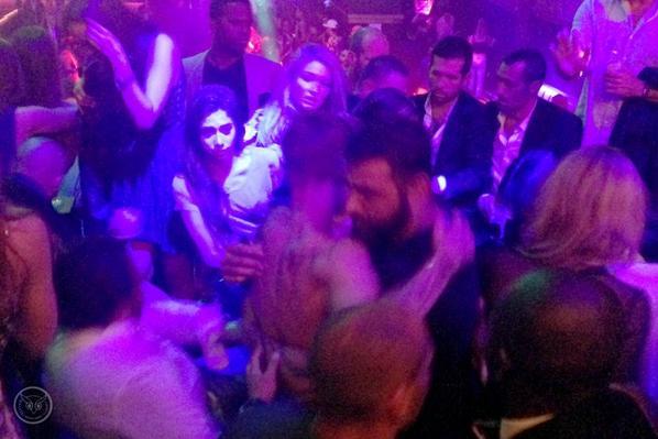 Justin Bieber trés sexy dans une bagarre au Gotha Club à Cannes