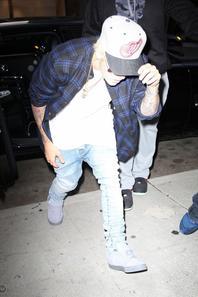 Justin Bieber arrivant à la maison de musique et de divertissement à Beverly Hills, Californie