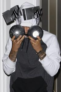 Justin Bieber quittant un bureau à Beverly Hills, Californie