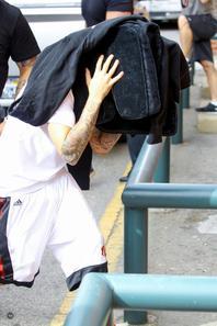 Justin Bieber allant dans un bureau de dermatologue à Beverly Hills, CA