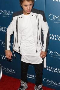 Justin Bieber arrivant au Omnia Nightclub à Las Vegas, Nevada.